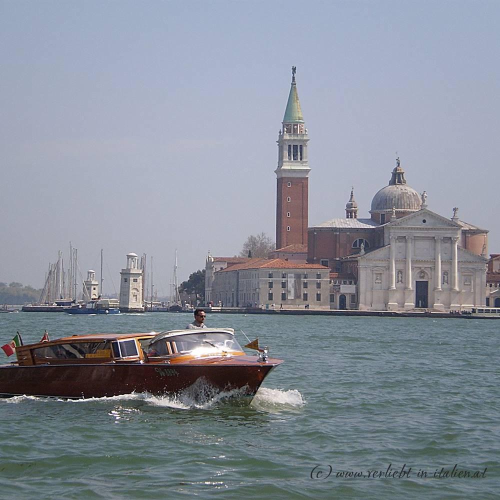 Taxiboot vor San Giorgo Maggiore