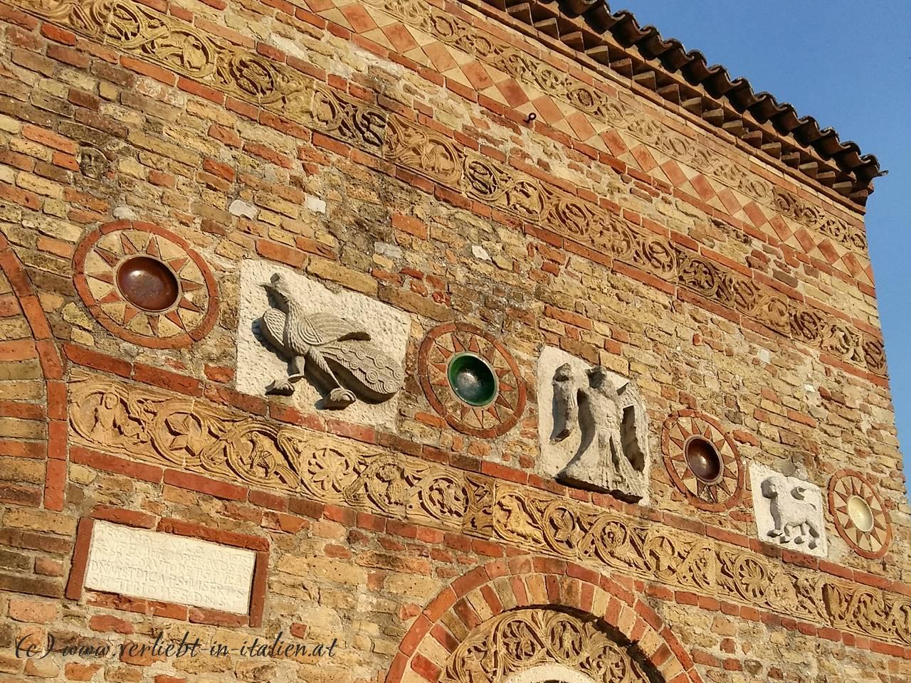 Detail-rechts-Santa-Maria-di-Pomposa