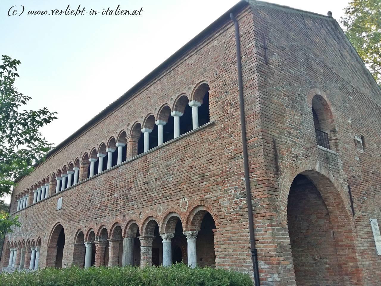 Nahaufnahme-Palazzo-della-Ragione-Pomposa