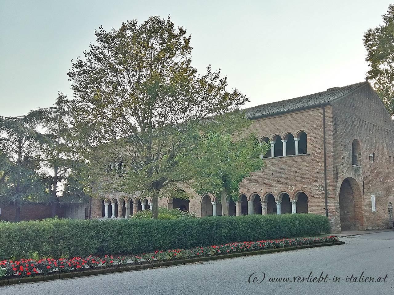 Palazzo-della-Ragione-Pomposa