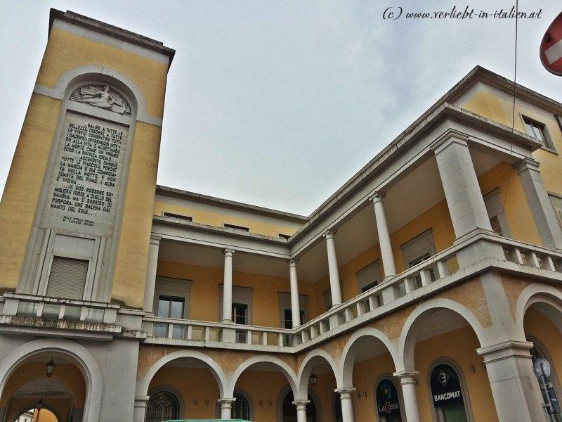 gelber Palazzo