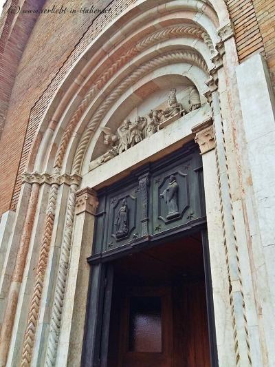 San Mercuriale Portal Detail