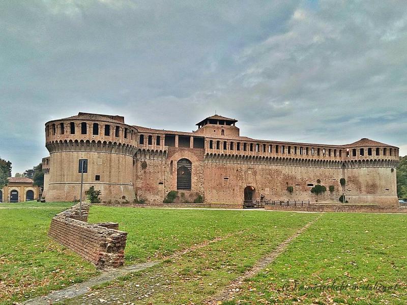 3 nette Kleinstädte: Forlì – Faenza – Imola