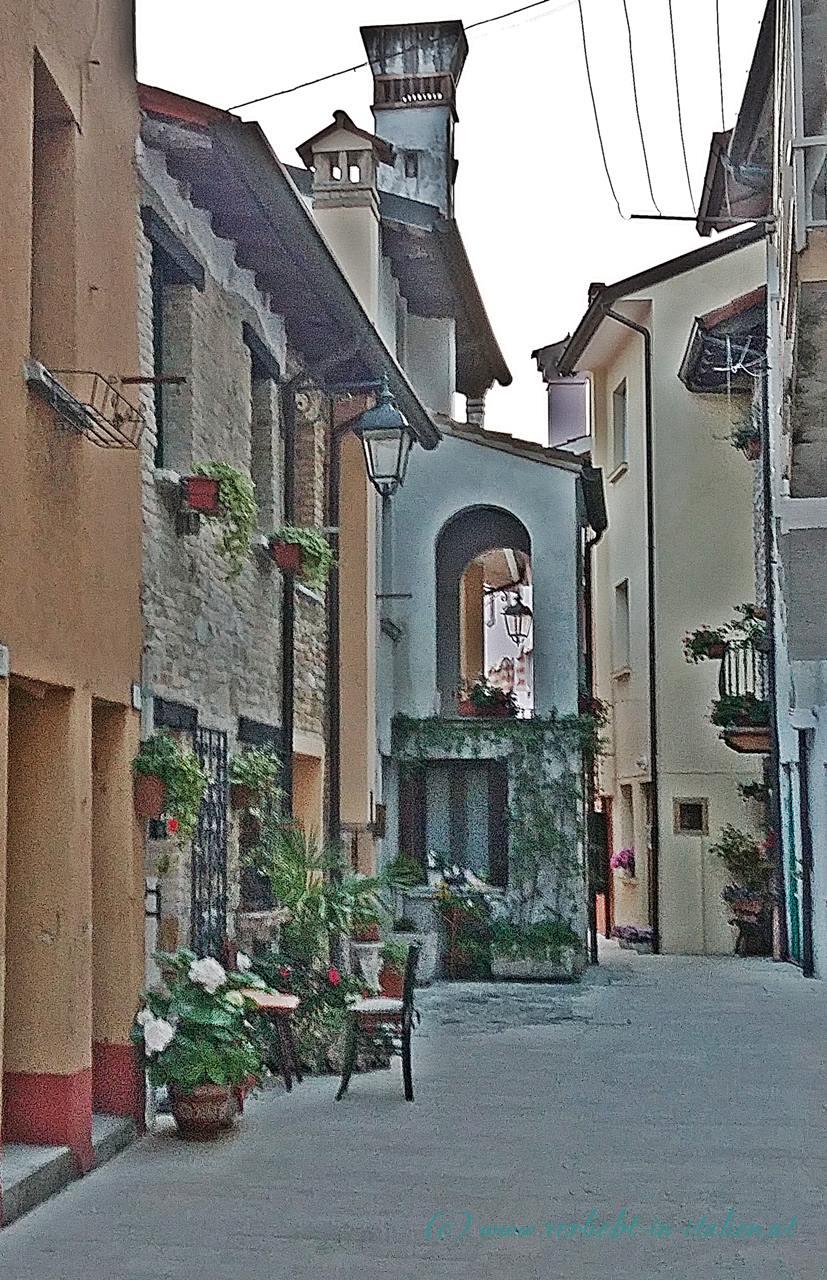https://www.verliebt-in-italien.at/wp-content/uploads/2017/07/8-ruhige-Gasse.jpg