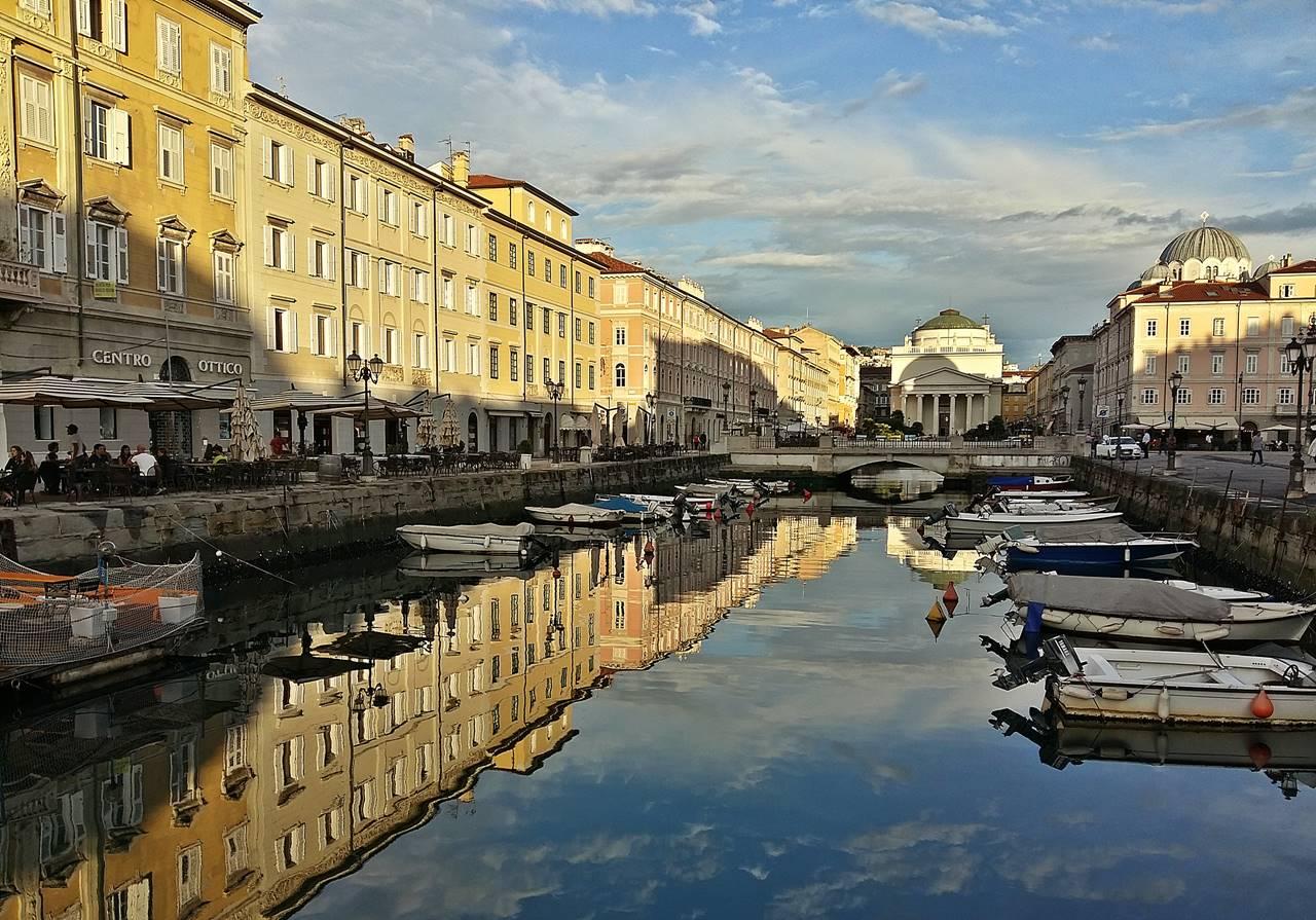 Spiegelung im Canal Grande Triest