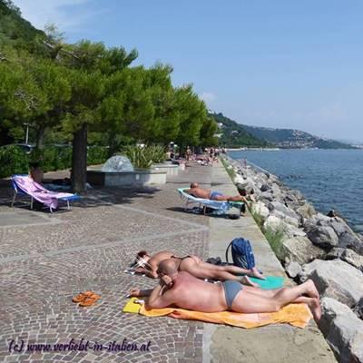 Strand liegen