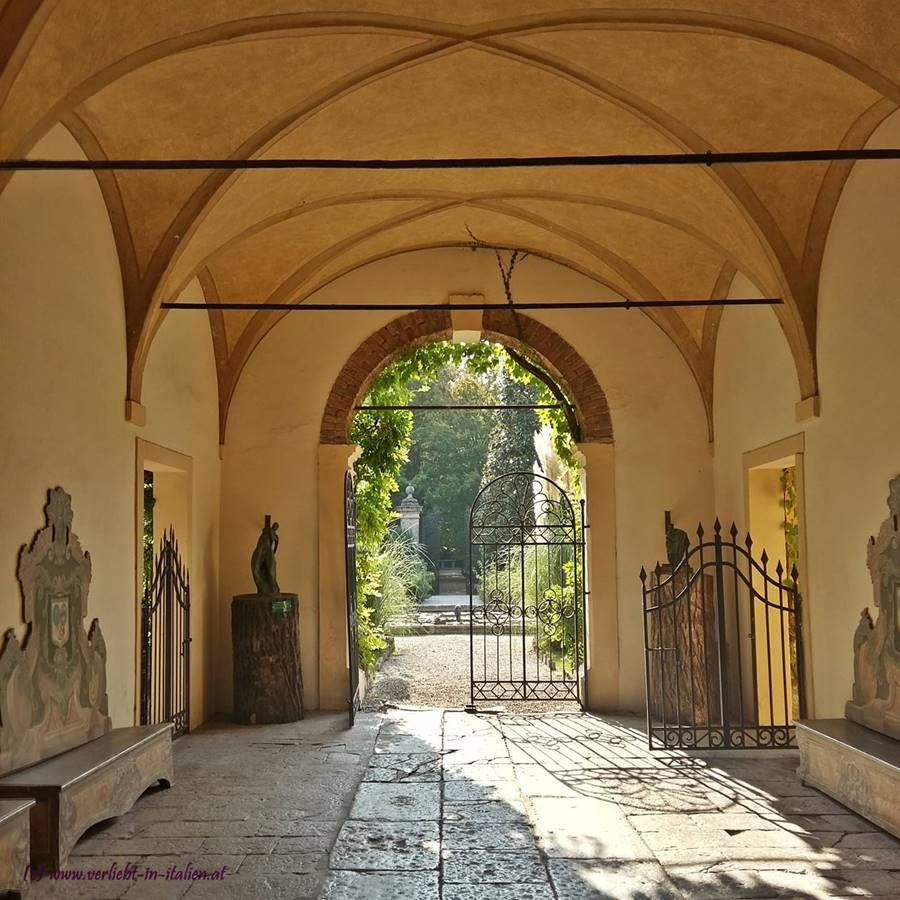 Eingangs- Gewölbe