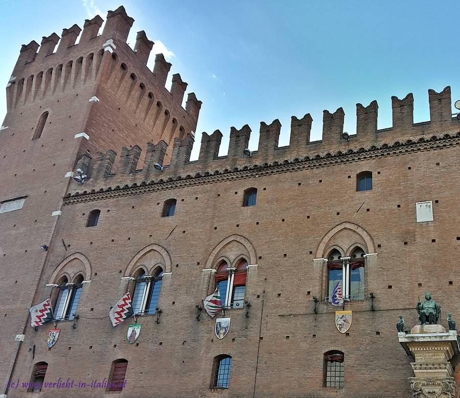 Fahnen am Palazzo Municipio