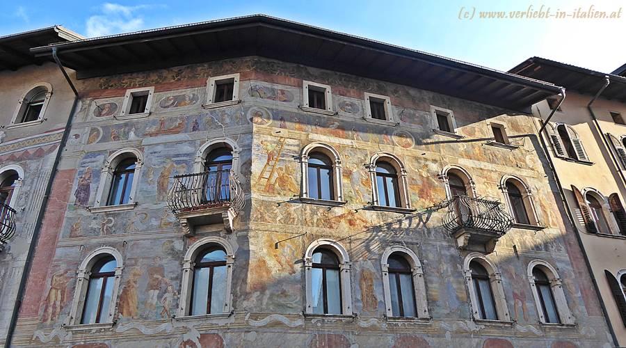 Fassade Casa Cazuffi-Rella