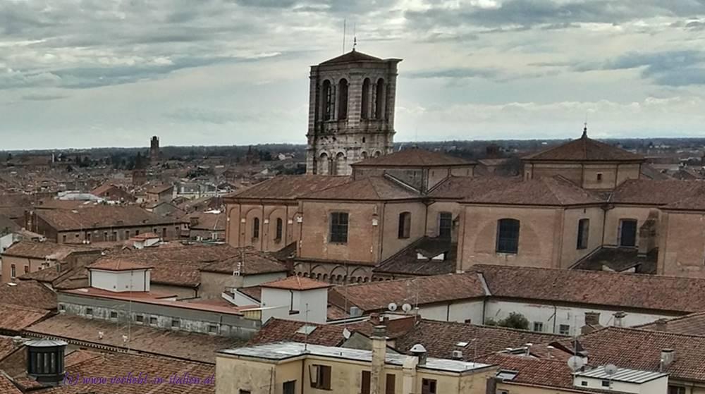Ferraras Dächer