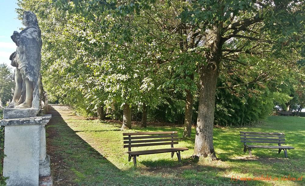 12- Sitzplatz im Garten