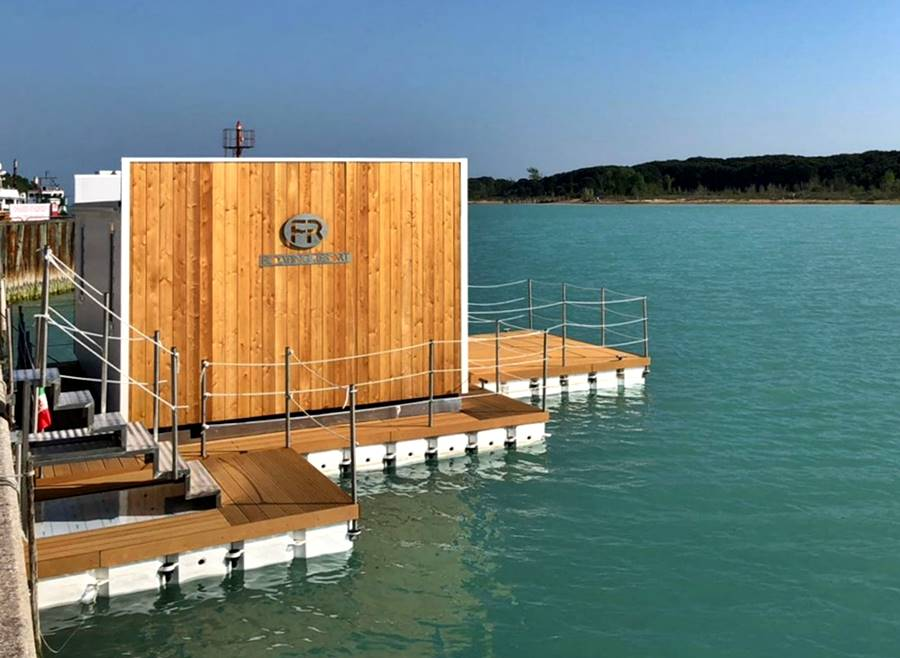 Zugang Floating Resort