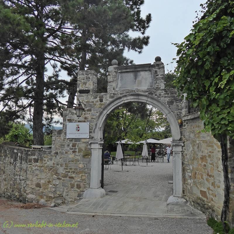 Eingang Castello