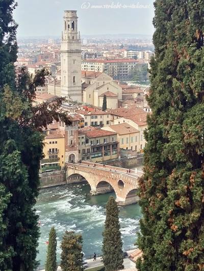 Blick auf Ponte Pietra
