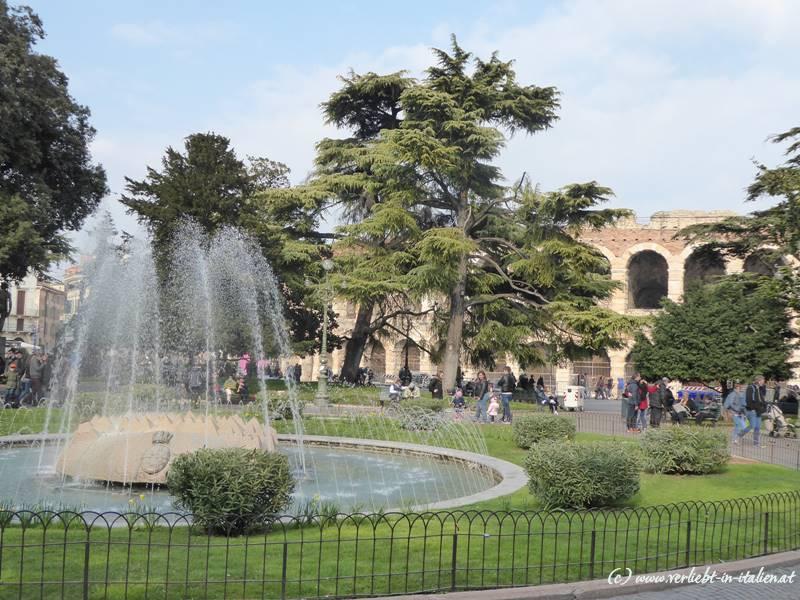 Brunnen Piazza della Bra