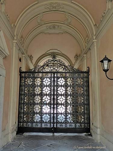 Portal in Brescia