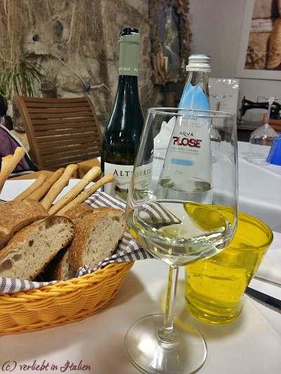 Brot und Vino zu Beginn