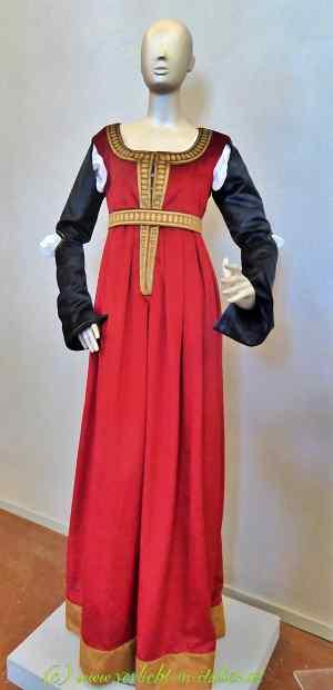 Kleid von früher