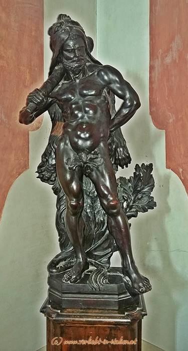 Männer-Statue
