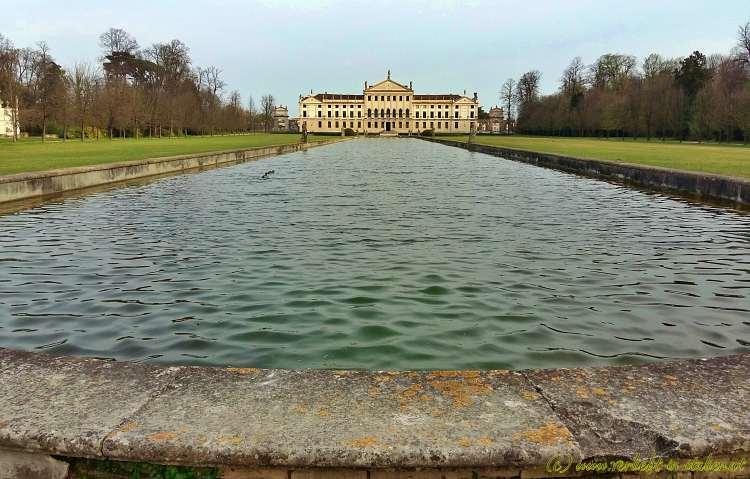 Villa Pisani mit Wasser