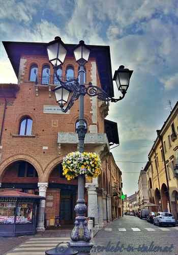Cassa die Risparmio bei Via Carrarese