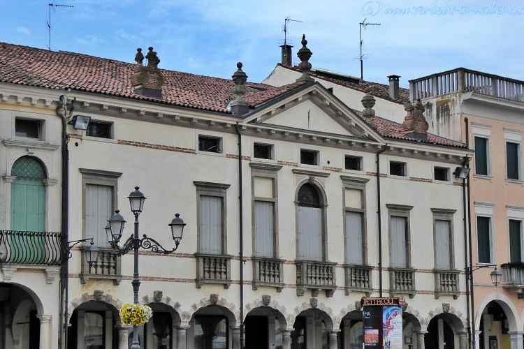 Palazzo Valeri